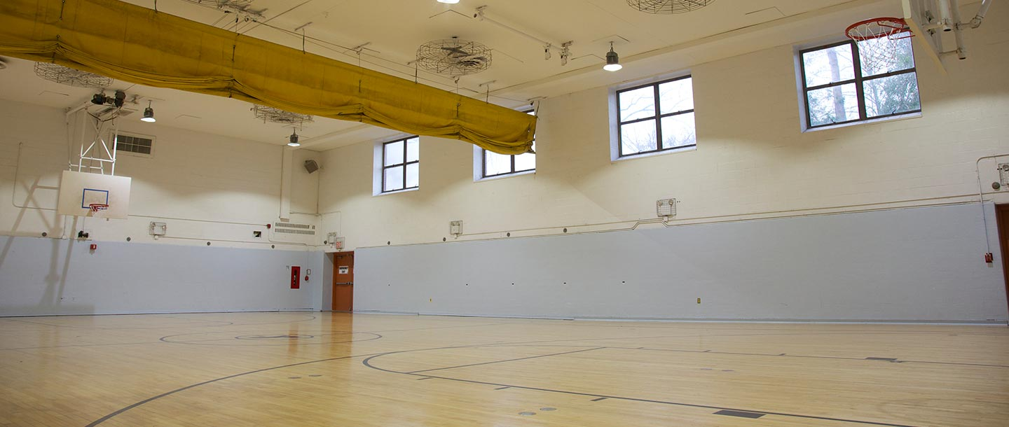 Indoor basketball court at Staten Island Broadway YMCA