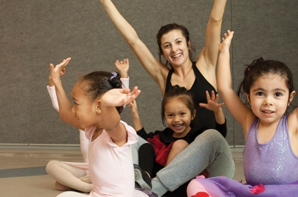 Kids learning dance and ballet at YMCA class