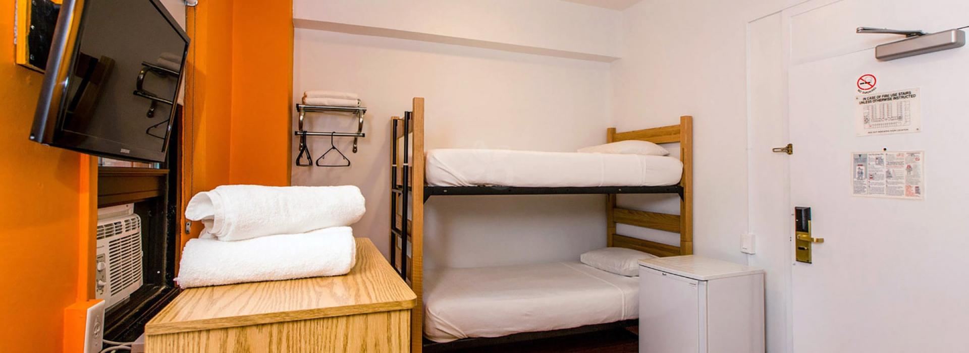A Bunk Bed In The Vanderbilt Hostel Room On Upper East Side